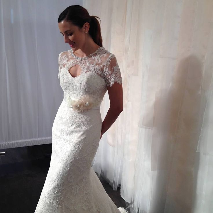 Lace Wedding Dress Accessories : Lovely lace wedding dress bridal accessories by