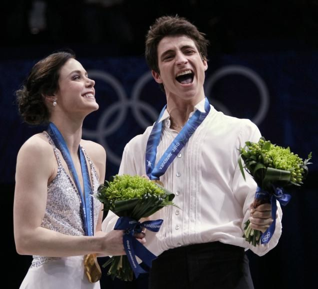 Tessa Virtue & Scott Moir Medals & Flowers ceremony 2010 Vancouver photo - Google Search