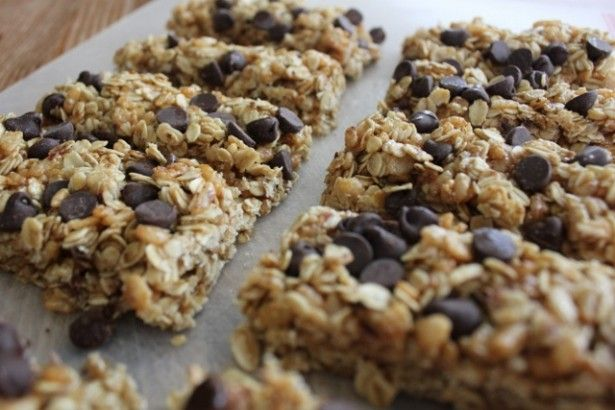 Crispy Chocolate Chip Granola Bars - finally something without peanut butter than I can actually eat!