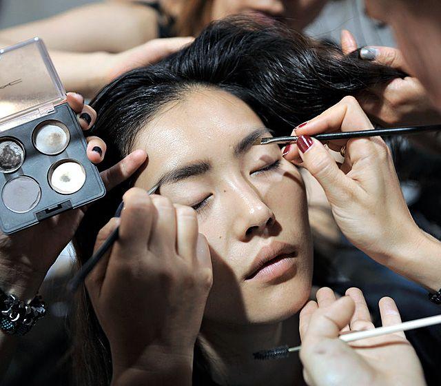 Во всеоружии: приспособления для нанесения макияжа