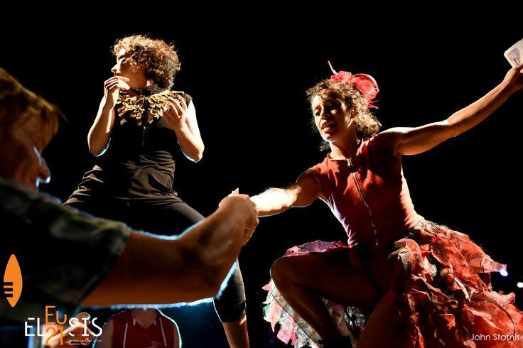 """Το συναρπαστικό διαπολιτισμικό ταξίδι του Meeting The Odyssey στην Ελευσίνα φτάνει απόψε στο τέλος του, με την τελευταία παράσταση του """"landing_an odyssey"""" στο Παλαιό Ελαιουργείο στις 22:00, με ελεύθερη είσοδο. Μην τη χάσετε! - - - The exciting intercultural journey of Meeting The Odyssey in Eleusis comes to an end tonight at 22:00, with the last performance of """"landing_an odyssey"""" at the Old Oil Mill of Eleusis, with free entrance. Be there!"""