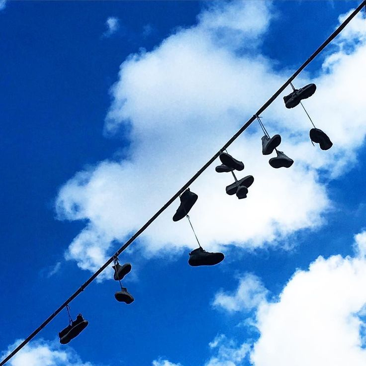 Con i piedi (e la testa) tra le nuvole. With feet (and head) in the clouds. #firenzebyalexcommentator