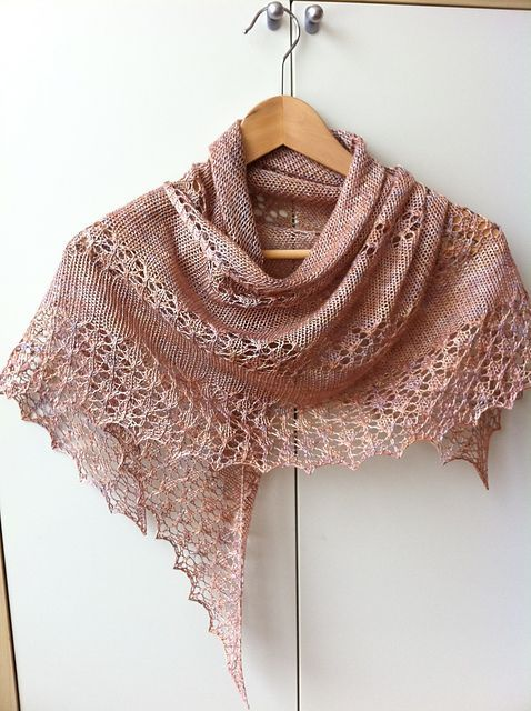 Ravelry: Mardunks June in splendour- free pattern that I downloaded this morning.  Perfect for my purple silk yarn I've been saving for several years.
