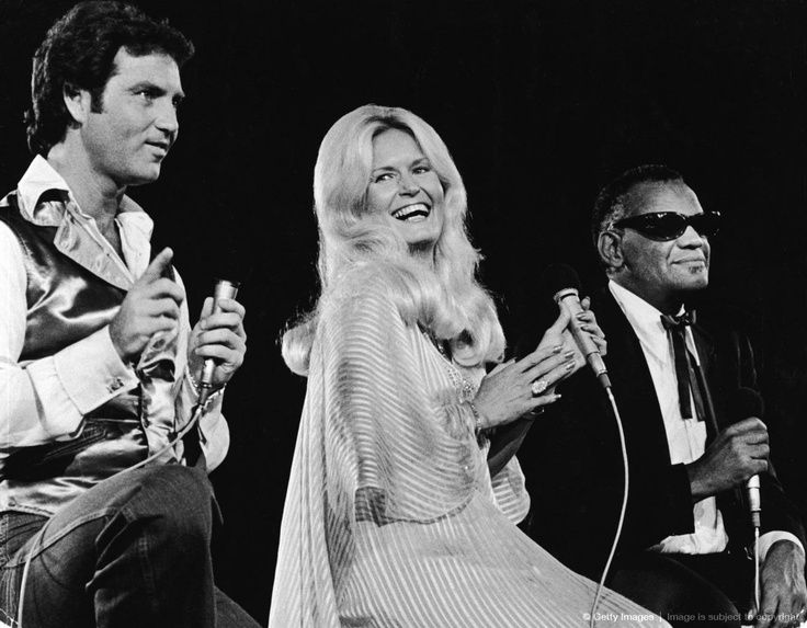 """Larry Gatlin, Lynn Anderson, and Ray Charles in the TV-show """"The Unbroken Circle - A Tribute to Mother Maybelle Carter"""", taped in Nashville, aired on November 28, 1979."""