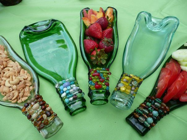 MELTED WINE BOTTLES FOR SARVING TRAY                                                                                                                                                                                 Mais