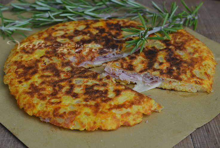 Pizza ripiena con patate e zucca ricetta veloce senza forno