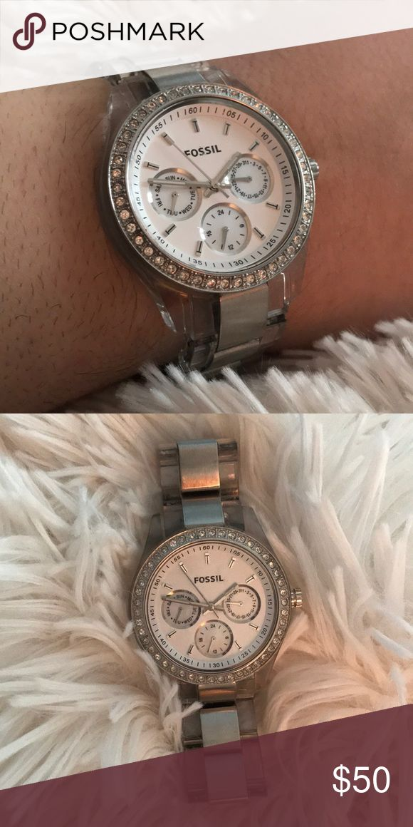 Women's Fossil Watch Used Fossil Watch. Battery is out, but should run beautifully when replaced! Fossil Jewelry Bracelets