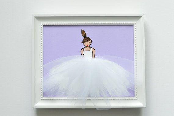 Peinture acrylique originale, peinte à la main sur toile étirée. Œuvre dart unique, composé de peinture acrylique et tulle, idéal pour chambre dune petite fille, pépinière, douche de bébé, cadeau danniversaire, etc.. ******************************************** C'est la liste pour une toile seulement. Robe sur fond lavande blanche. Voir nos autres œuvres d'art de mélanger et assortir!  Veuillez noter que les cadres et les accessoires ne sont pas inclus et sont uniquement à des fins visuel…