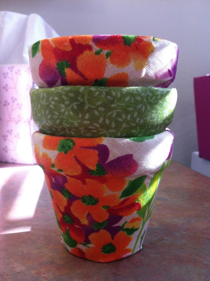 flowered flower pots -- mod podge fabric on clay flower pots