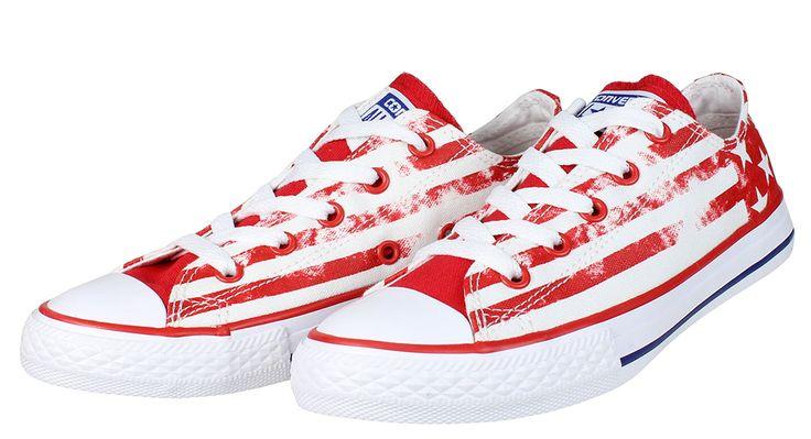 Παιδικά+δετά+sneakers+CONVERSE+σε+απόχρωση+λευκό/κόκκινο.  ΥΛΙΚΟ:+Ύφασμα/canvas.  Επιλέξτε+ένα+νούμερο+μικρότερο,έχει+μεγάλη+φόρμα.