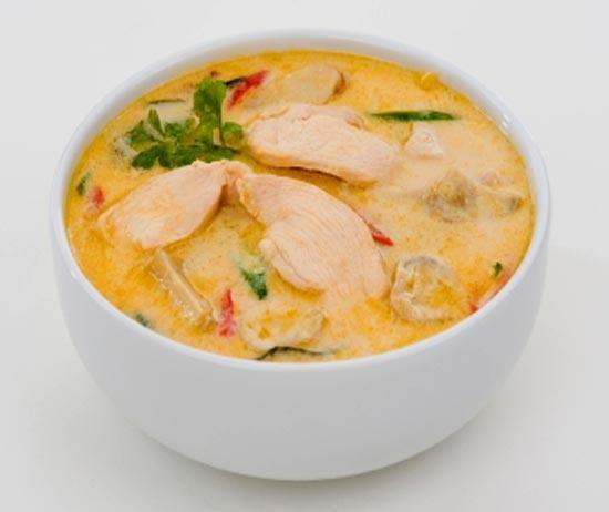Суп с курицей и кокосом