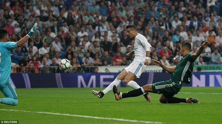 Banh 88 Trang Tổng Hợp Nhận Định & Soi Kèo Nhà Cái - Banh88.infoTin Tuc Bong Da -  Ronaldo chưa ghi bàn (tại La Liga). Ronaldo đang bị Messi bỏ xa. Ronaldo bế tắc và suy giảm. Đó là những gì người ta nói trong một tuần qua. Ronaldo có quan tâm? Dĩ nhiên là không.  Bây giờ đã là cuối tháng 9 và Ronaldo vẫn chưa có bàn thắng đầu tiên ở La Liga 2016/17. Nó có nghĩa anh sẽ phải chờ đến đầu tháng 10 (khi gặp Espanyol) mới có cơ hội chấm dứt cơn khát bàn thắng. Điều này thật tệ bởi 8 mùa khoác áo…
