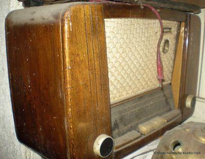 ΣΤΟΚ ΠΡΟΙΟΝΤΩΝ ΜΕ ΕΚΠΤΩΣΗ 50%: Προσφορά Παλιά ραδιόφωνα από 35,00 Euro