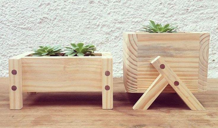 Cachepot: observar detalhe de madeira que esconde parafuso