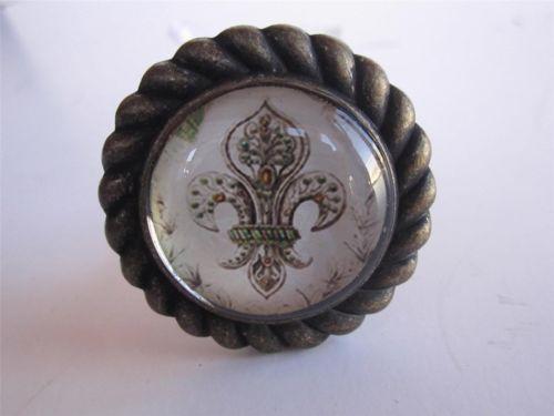 232 best Vintage Door Knobs images on Pinterest | Lever door handles ...