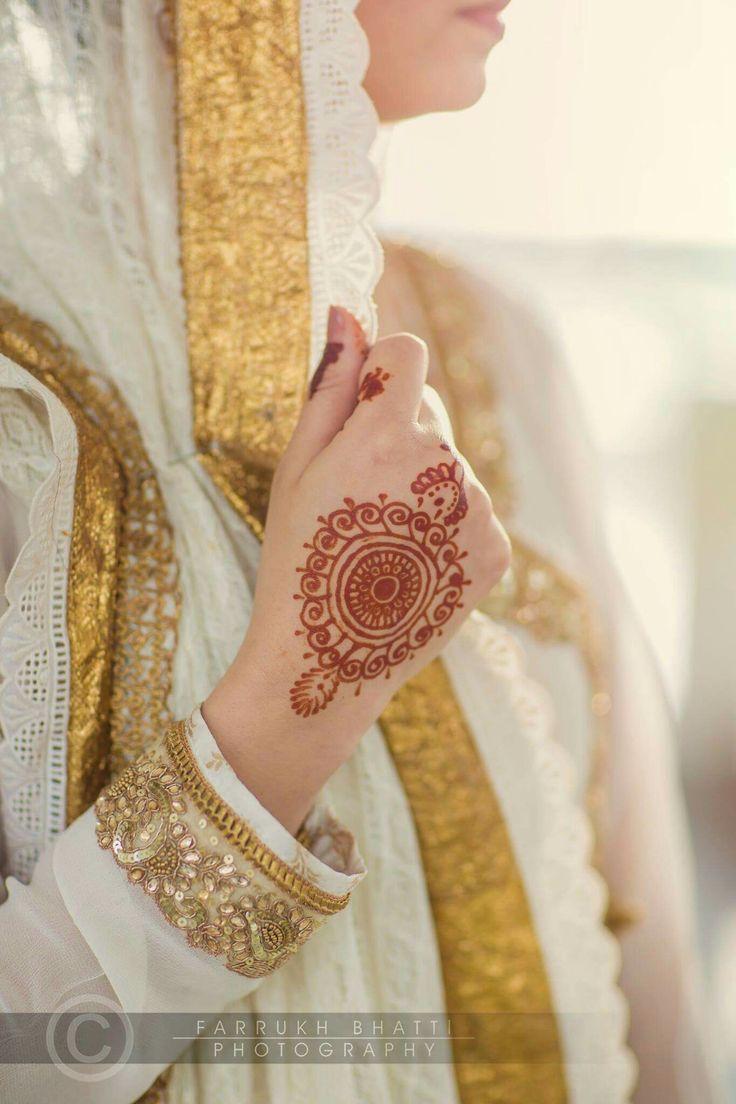1000 ideas about traditional henna designs on pinterest traditional - Nikkah Wear Details Mehndi Designsasian Stylepakistanibridal Fashion Wedding Shootbeautiful Mehndi