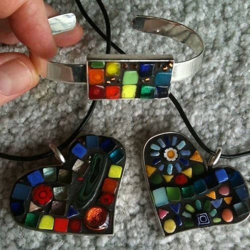 Mosaic Jewellery - Best Online Mosaics Supplier for Mosaic Tiles & Supplies. Learn the art craft of Mosaics with us!
