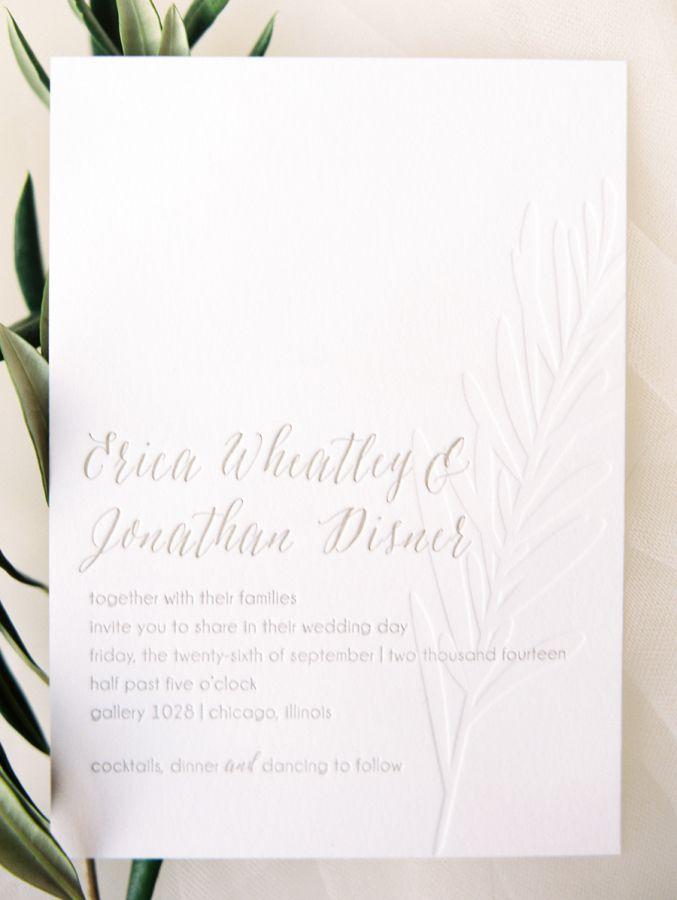 センスが光るシンプルなデザイン。クラシカルな結婚式のテーマカラーはホワイト♡白いメニュー表のまとめ一覧です♡
