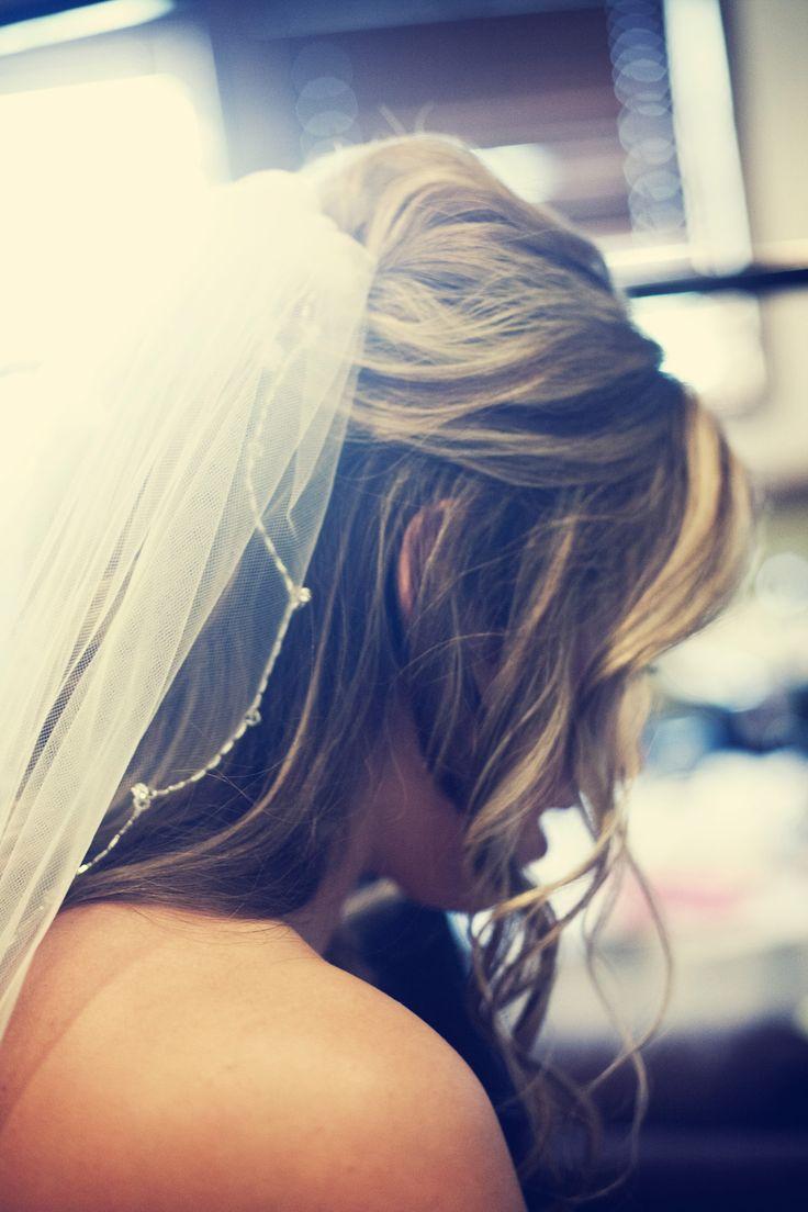 Half-up,half-down with veil. Photo by Randi. #weddinghair #minneapolisbridalhairandmakeup