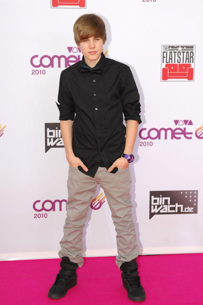 Justin Bieber attends the VIVA Comet 2010 Awards at Koenig-Pilsener-Arena on May 21, 2010 in Oberhausen, Germany.