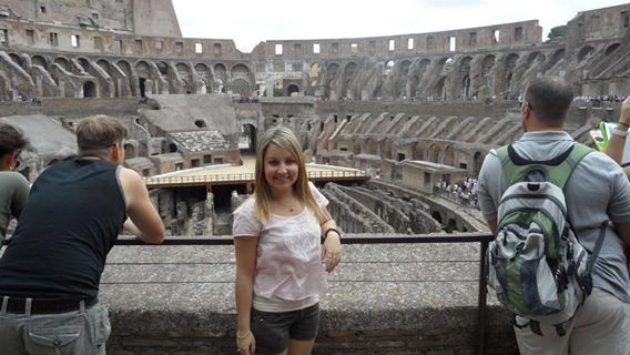 Visiting the Rome Colosseum! Bucket list travel