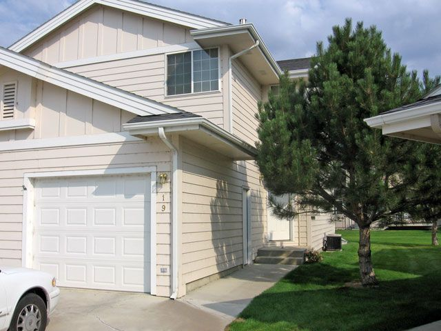 Westend 2 Bedroom Condo Billings Mt Rentals Send Notice Great Westend Location Two Bedroom With Office Space Full B Office Space Apartments For Rent Rental