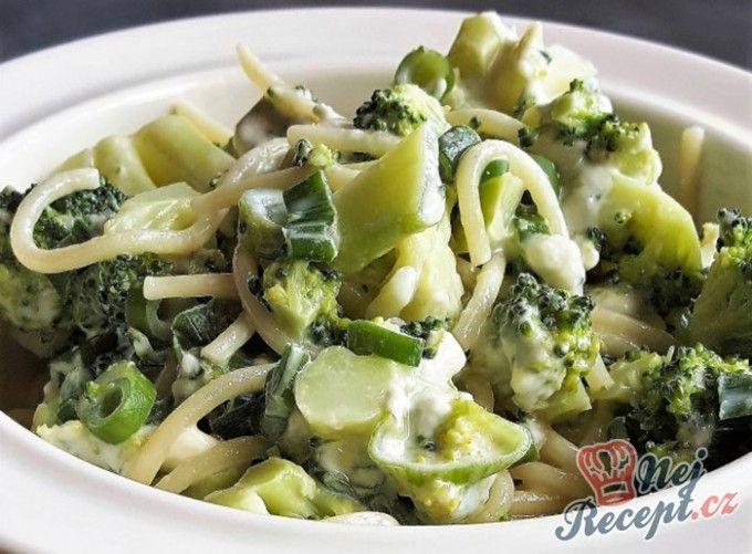 Špagety s brokolicí a nivou | NejRecept.cz