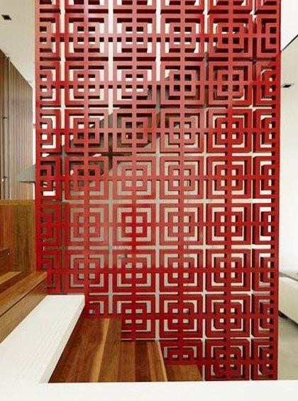 Divisória vermelha para área da escada