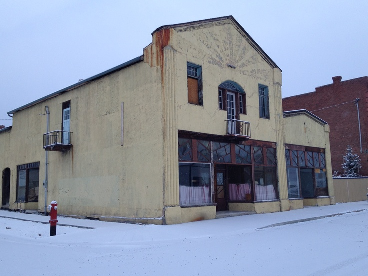 Historic store fronts of old coal mining town in the Canadian Rockies offers perfect 'Drive & Learn' from the past tours  Www.MattMosteller.org