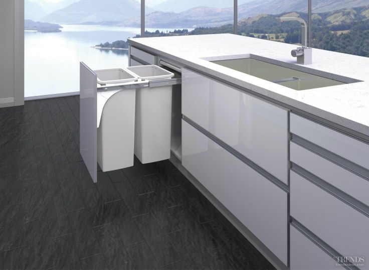 Bigger is better – Kitchen King's 80L Hideaway Bin banishes kitchen waste. This Hideaway Bin ensures kitchen mess and clutter don't obstruct the panoramic view.