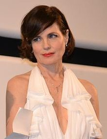 Elizabeth McGovern - Lady Grantham, Lord Grantham's American heiress wife, Lady Grantham, Lord Grantham's American heiress wife.   Elizabeth McGovern (born July 18, 1961) is an American film, television, and theater actor, and musician with extensive credits both in the US and UK.