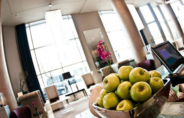 Green apples #lobby #chic
