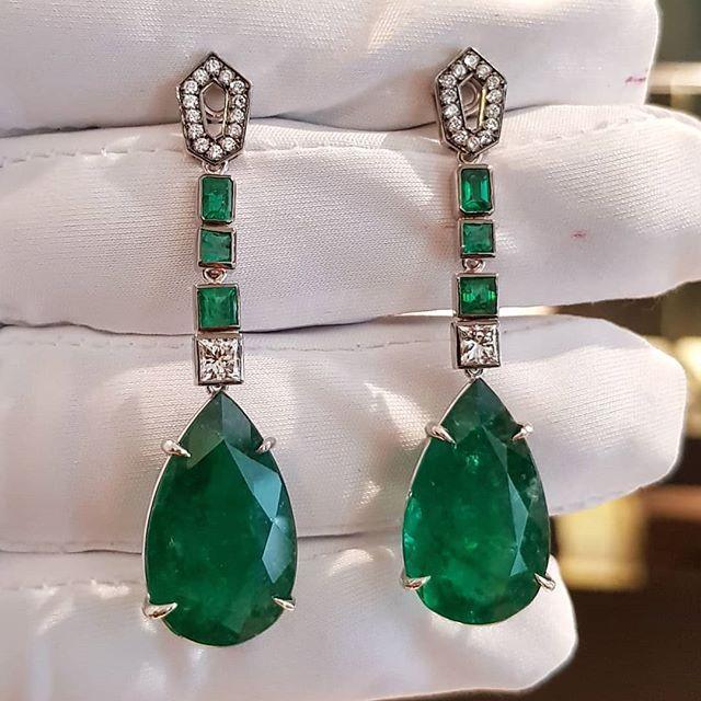 Nouveau rouge//bleu//vert goutte à goutte huile Or Bijoux Strass De Luxe Collier Boucles d/'oreilles Set