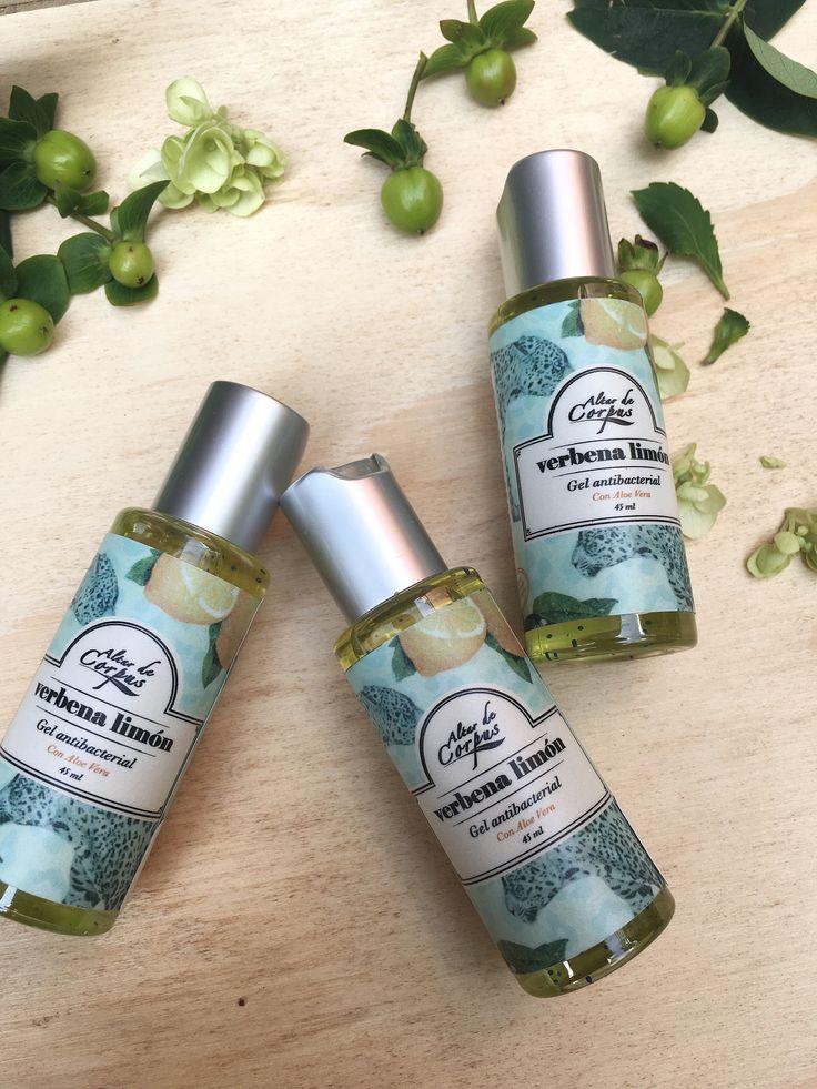 Antibacteriales con Aloe Vera... perfectos para llevar a todas partes y tener siempre las manos suavecitas y muy limpias!! #verbena #limon