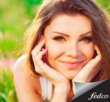Las propiedades del polvo de arroz son: - Calma irritaciones - Combate el acné - Hipoalergénico - Da apariencia mate a la piel - Exfoliante suave. http://tienda.fedco.com.co/Catalogo/maquillaje/todos/marca/Palladio