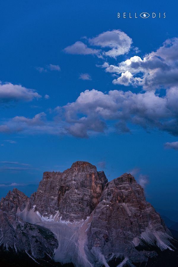 https://flic.kr/p/L9K4rX | 160745  Full moon on monte Pelmo