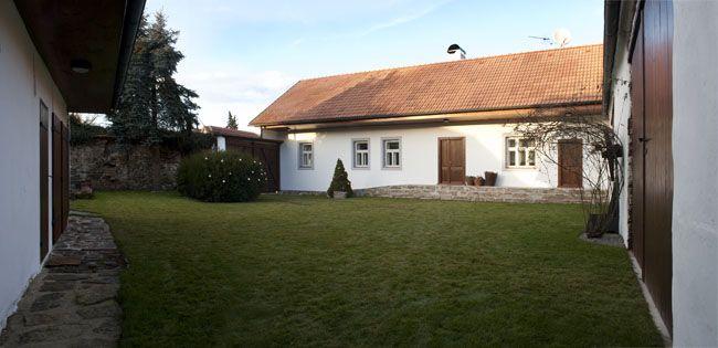 nowoczesna-STODOLA-Rekonstrukcja-posiadlosci-w-Czechach-skvadra-architekti-23