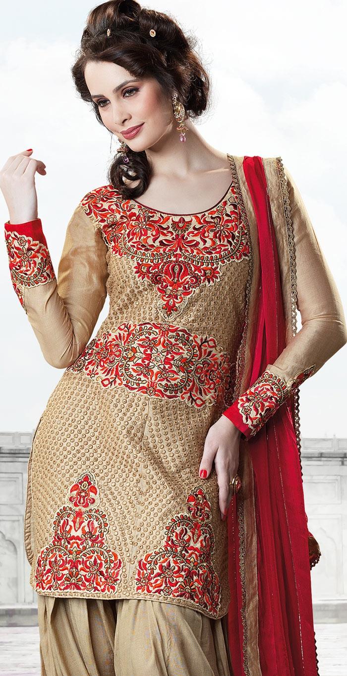 104 best Punjabi clothes ,Shoes ,etc images on Pinterest | Indian weddings, India fashion and ...