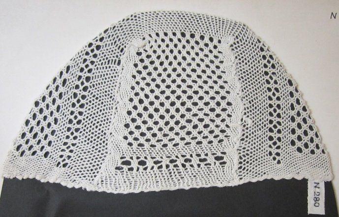 """Čepec pletený """"na rámu"""", bavlna, Zděchov, konec 19. století. Muzeum regionu Valašsko Valašské Meziříčí"""