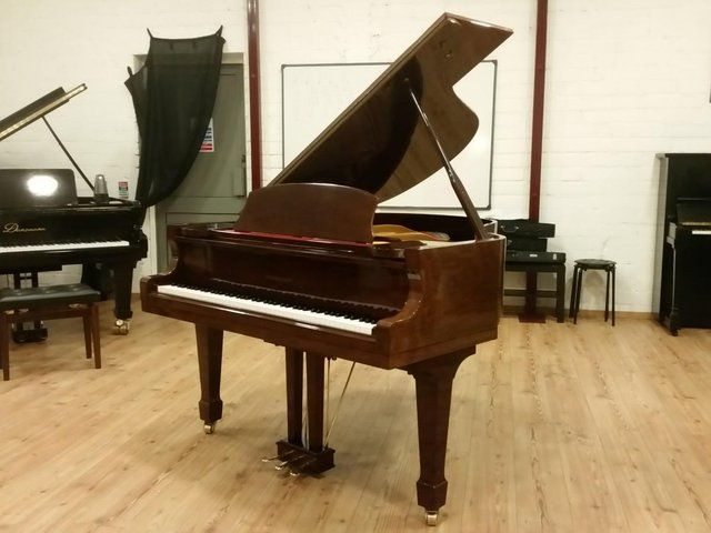 baby grand piano - Second Hand Pianos, Buy and Sell in the UK and Ireland | Preloved