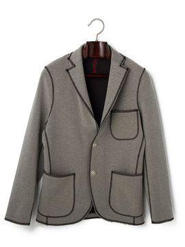 """メンズ DESERTIKA カラーステッチテーラードジャケットの商品詳細。カラーステッチのトリミングが存在感を引き立てるテーラードジャケット。ストレッチが効いているので身のこなしもスムーズに。""""From Desert(砂漠より)""""を意味する「DeSertika」。ハードな環境に耐えうる、日本のテキスタイルブランド「KANTIAN」の高機能素材を使い、美しいフォルムとディテールにより都会的なスタイルを構築しています。""""ネオ・アーバン・リミックス""""をコンセプトに展開する、上質なコレクションをお確かめください。"""
