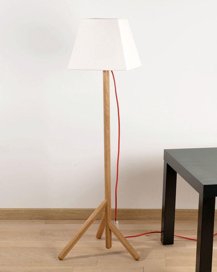 Le lampadaire Sylvestre : du bois du lin = de l'harmonie! http://www.decostock.fr/lampe-sur-pied-en-bois-massif,fr,4,blumen-lampe-sylvestre.cfm#.UqdRxfTuJu0