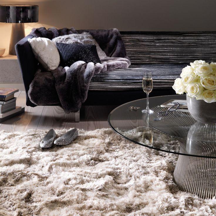 Tapis beige moelleux est d'une très grande qualité, car il a été tissé à la main en Inde. Tapis design est d'un look et d'un confort d'exception.  #déco #cocoon #tapis #décoration
