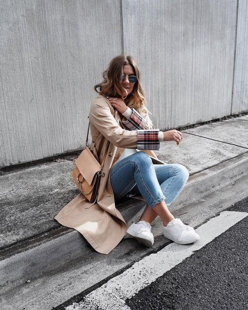 See Want Shop Blogger Lisa Hamilton | Uniqlo coat - Chloe handbag |