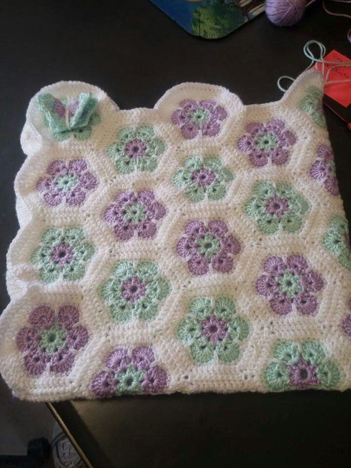 Kandi ' s African Flower Baby Blanket, love the colors