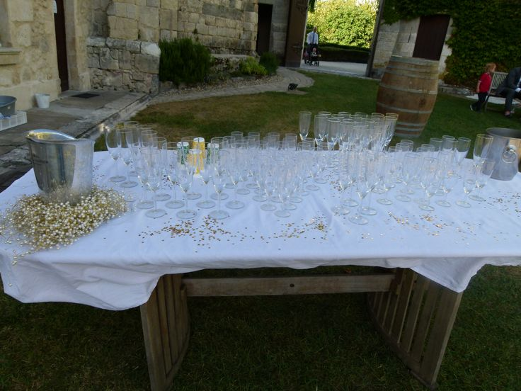 Al fresco champagne reception