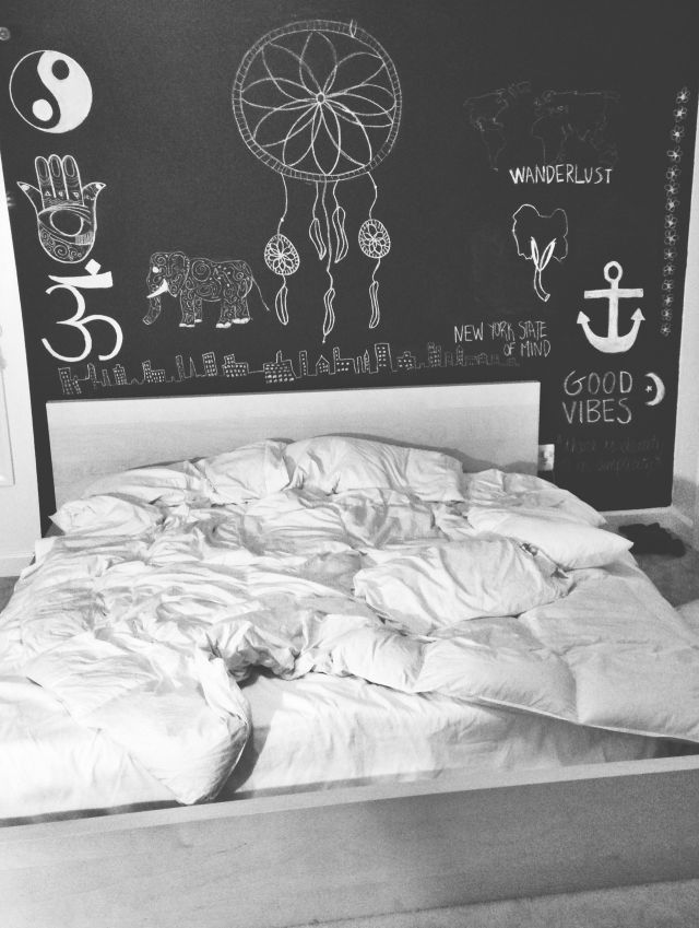 Room decoration design cute tumblr rooms quotes words bed for Bedroom wall designs tumblr