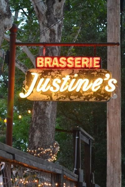 Justine's Austin Neon | Photography by Holly Hollingsworth Phillips | Camille Styles