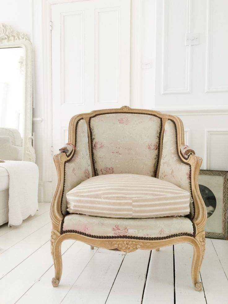 1000 images about french shabby chic vintage and country for Cheminee shabby chic