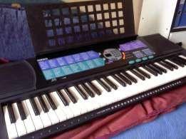instrument klawiszowy YAMAHA